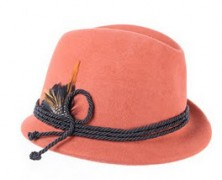 Tápate la cabeza con los nuevos sombreros de Salvador Bachiller
